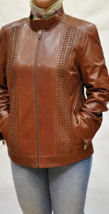 Женская куртка большого размера из натуральной кожи вижиталь.