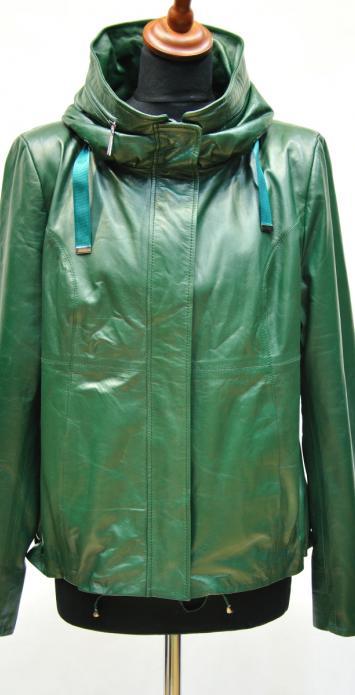 женская куртка со стойкой