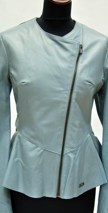 женская куртка без воротника