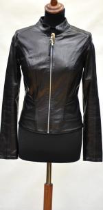 Женская куртка из мягкой и тонкой натуральной кожи.