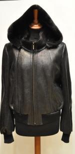 Женская дубленка-куртка с капюшоном