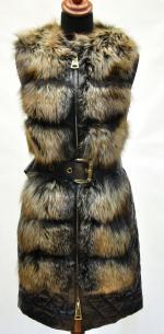 жилетка с мехом лисы