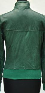 зеленая куртка бомбер