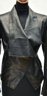 кожаная куртка с большим воротником