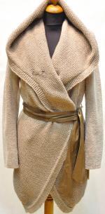 Астраган с текстильным капюшоном